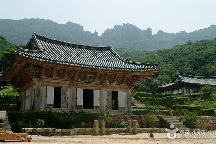 Kuil Mihwangsa (미황사)