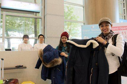 Jasa Penyewaan Pakaian Musim Dingin bagi Wisatawan Asia Tenggara yang Berwisata ke Korea di Musim Dingin