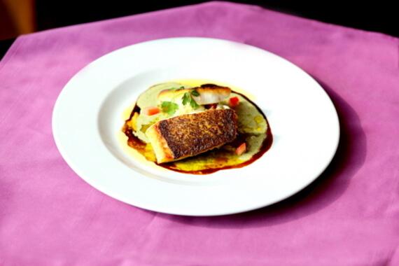 A La Maison Wine & Dine