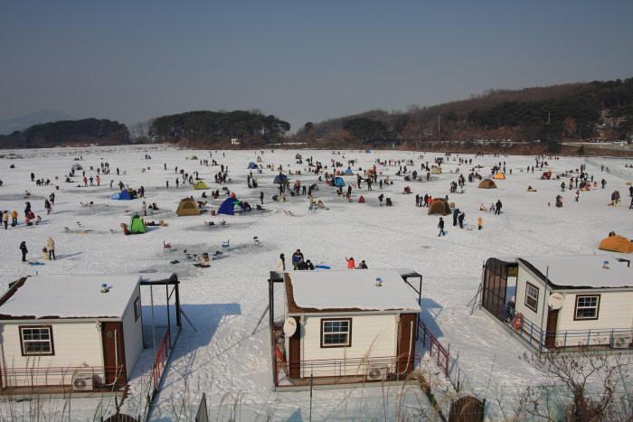 Festival Memancing Ikan Es Ganghwa