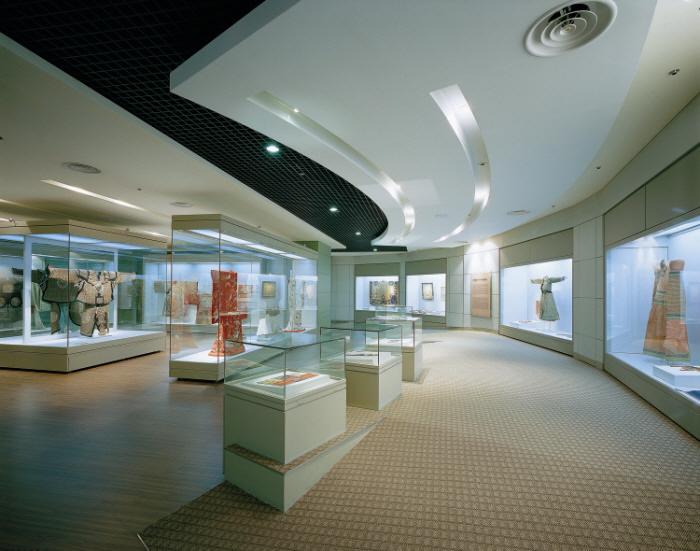 Museum Bordir Chung Young Yang Universitas Wanita Sookmyung