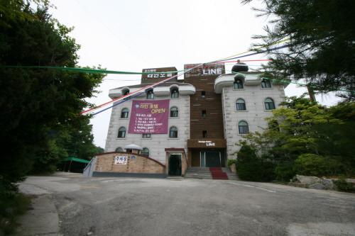Line Hotel - Goodstay