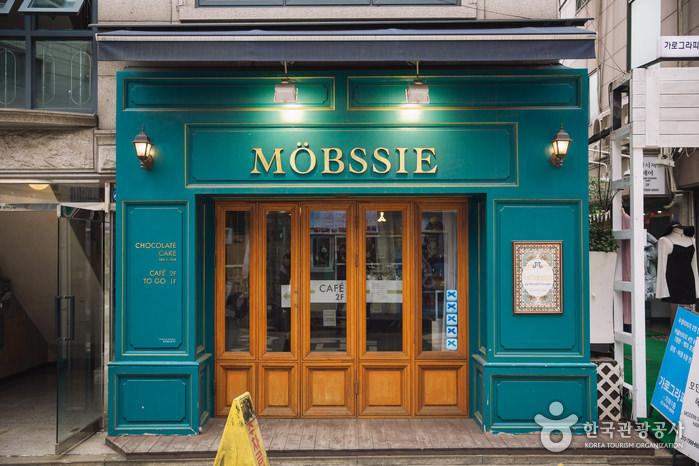 Cafe Mopsi