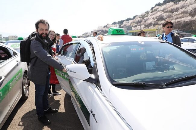 Tur Taksi Dibuka untuk Orang Asing di Yangyang