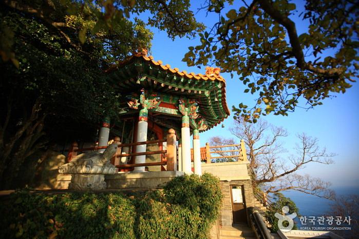 Pertapaan Hyangiram di Yeosu