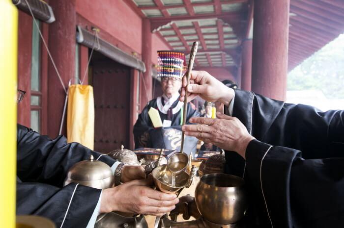 Jongmyodaeje (Ritual Peringatan Leluhur Kerajaan Joseon) (종묘대제)
