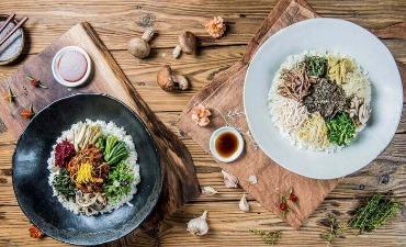 Bincang-Bincang Soal Makanan Baik: A Flower Blossom on the Rice
