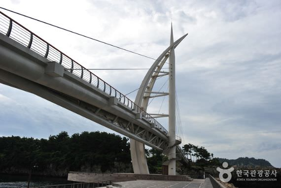 Jembatan Saeyeongyo Pulau Saeseom