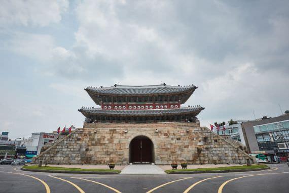 Gerbang Paldalmun