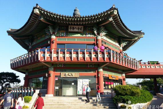 Paviliun Bugak Skyway Palgakjeong