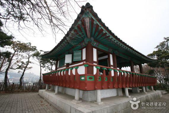 Paviliun Hyosajeong