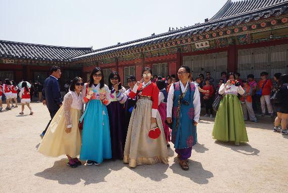 Layanan Interpreter Wisata Korea'1330' Menjadi 8 Bahasa: Ada Bahasa Indonesia!
