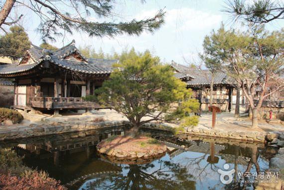 Choi Champandaek (Rumah Choi Champan)