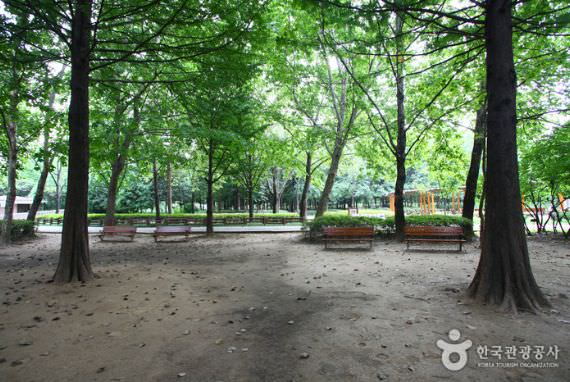 Taman Kota Yangjae