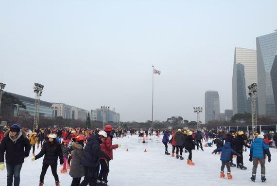 Gelanggang Ice Skating di Taman Yeouido Dibuka 9 Desember!