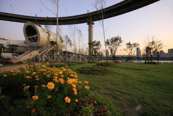 Taman Ttukseom Hangang