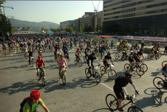 Parade Sepeda Seoul