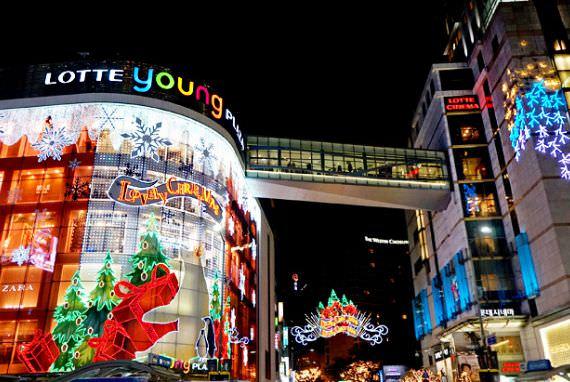 Pusat-Pusat Perbelanjaan dengan Dekorasi Natal Cantik di Korea