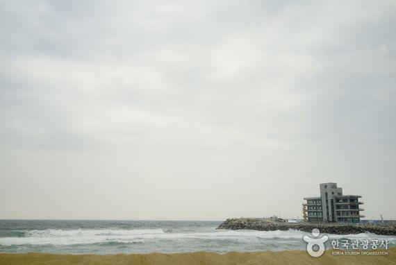 Pantai Anmok