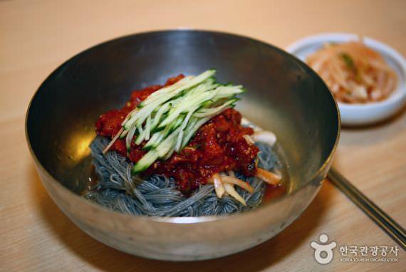 Restoran Ojangdong Hamheung Naengmyeon