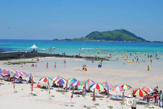 Pantai Hyeopjae