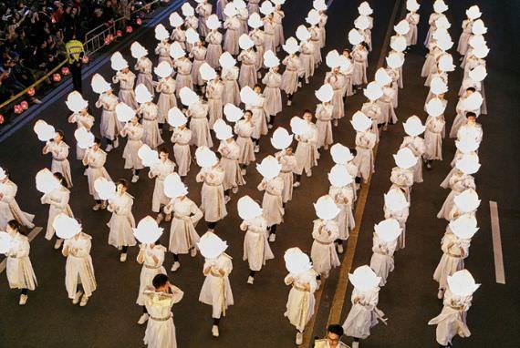 Kemeriahan dan Pesona Tradisional Menyatu di Festival Lampion (Lotus Lantern Festival)