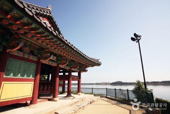 Situs Bersejarah Gyeongpodae