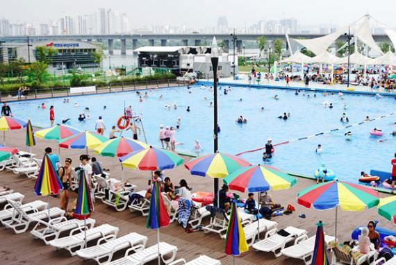 Supia Outdoor Pool di Yeouido