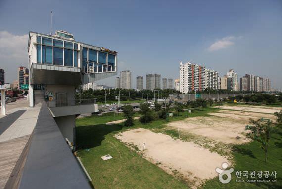 Taman Ichon Hangang