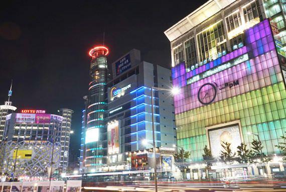 Berbelanja Hingga Matahari Terbit di Zona Khusus Turis Kota Fashion Dongdaemun