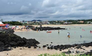Pantai Haevich Pyoseon (표선해비치해변)